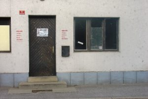 Ambasada 1 entrance
