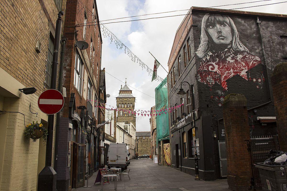 Womanby St, Cardiff (c) Jeremy Segrott 2016 Wikimedia CC 2.0 Generic
